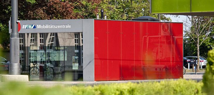 Gebäude der RMV Mobilitätszentrale Darmstadt